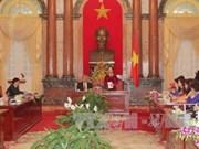La vice-présidente Nguyen Thi Doan rencontre des femmes d'affaires exemplaires