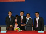 Du Pont signe un mémorandum de coopération avec l'université de Tiên Giang