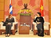 La vice-présidente de l'AN Nguyen Thi Kim Ngan reçoit son homologue cubain