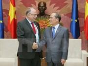 Nguyen Sinh Hung reçoit le vice-président du Parlement européen