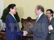Le Premier ministre reçoit le nouvel ambassadeur algérien