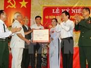 Truong Tân Sang rencontre des anciens combattants à Phu Xuyên
