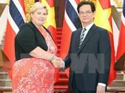 Entretien entre les Premiers ministres vietnamien et norvégien
