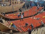 Engager les pêcheurs à construire des bateaux de pêche hauturiers