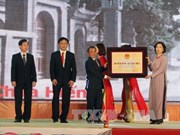 Le chef de l'Etat assiste aux fêtes de Pho Hien, ancien port international du Nord