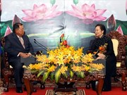 La vice-présidente Nguyen Thi Doan reçoit son homologue laotien