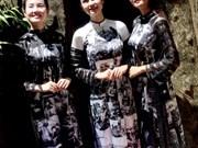 L'histoire du pays imprimée sur des robes traditionnelles