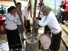 Atmosphère joyeusement animée du Têt Nga Ra de l'ethnie Cor à Quang Ngai