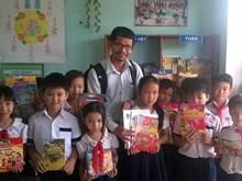 """Le programme """"Des livres pour les zones rurales du Vietnam"""" honoré par l'UNESCO"""