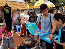 Marché unique des personnes étrangères au cœur de Hanoï