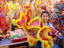Ho Chi Minh-Ville : la rue des lanternes avant la Fête de la mi-automne