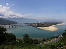 Vue panoramique du col des Nuages (Hai Vân)