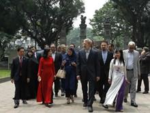 Le président de l'Assemblée consultative islamique d'Iran visite Hanoi