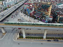 Hanoi: une rame d'essai teste la ligne ferroviaire urbaine Cat Linh-Ha Dong
