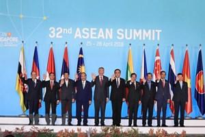Le PM Nguyen Xuan Phuc participe au 32e Sommet de l'ASEAN