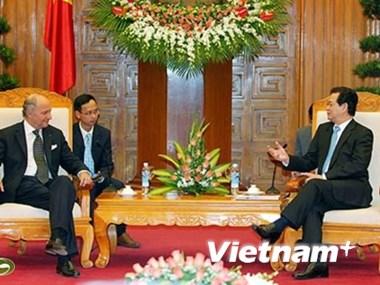 Le ministre fran ais des ae re u par des dirigeants for Chambre de commerce francaise au vietnam