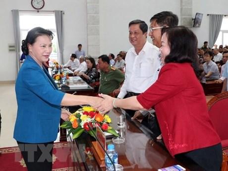 La présidente de l'AN à l'écoute des électeurs de Can Tho