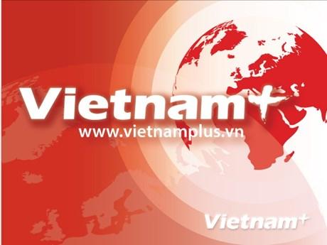 Des Vietnamiens au Cambodge soutiennent les sinistrés des intempéries