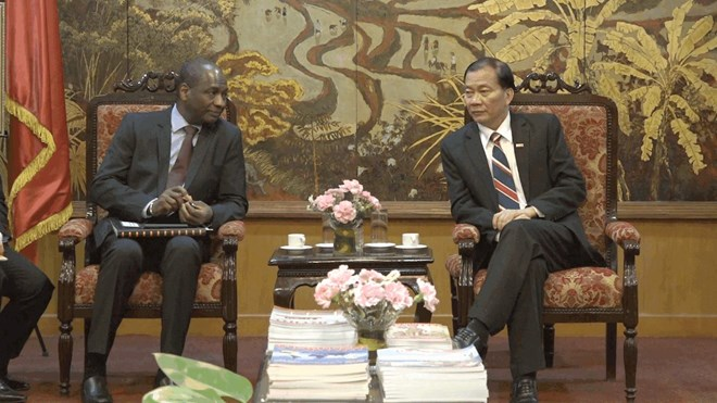 Le vietnam veut renforcer ses liens conomiques avec les for Chambre de commerce vietnam